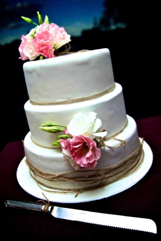 Lisianthus clusters cake flowers