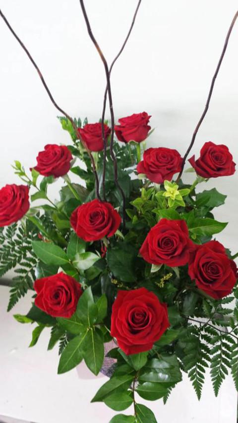 Valentines Dozen Rose Bouquet in Pyramid Vase