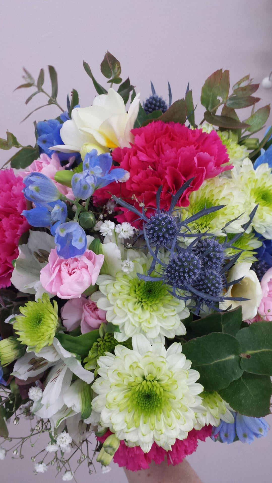 garden-style-daisy-seaholly-roses-gyp-and-delphinium