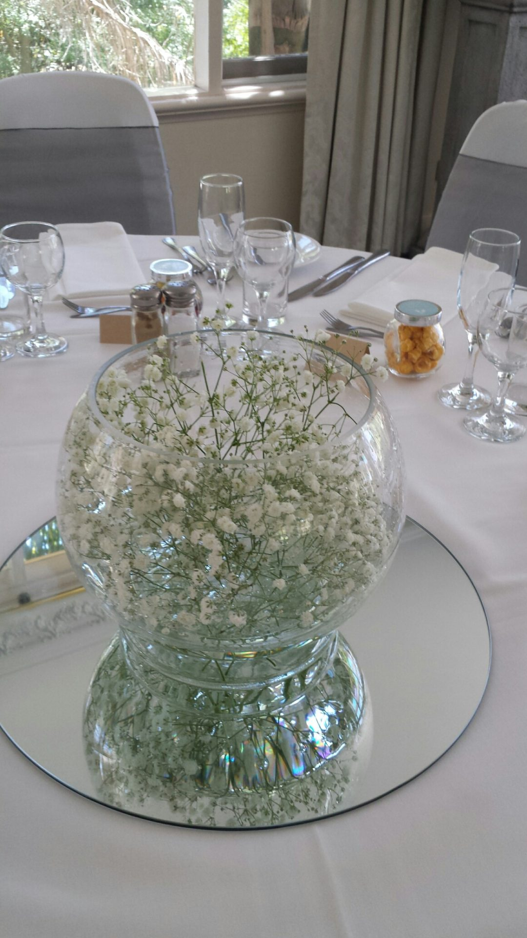 Babies Breath-fishbowl-table-design