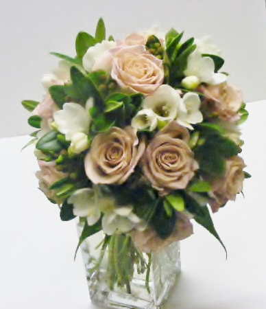 honeymoon roses and freesia bouquet