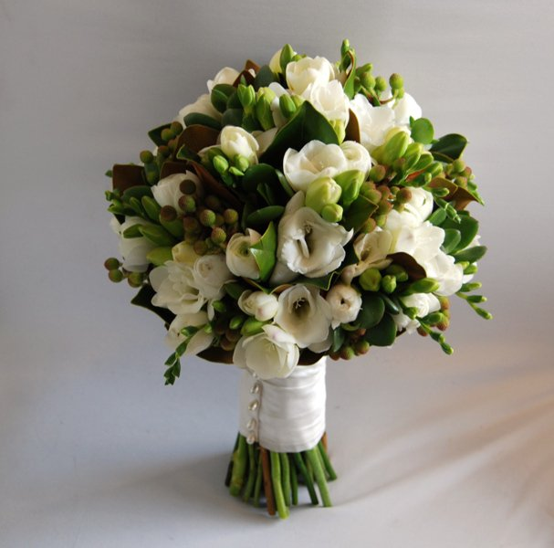 freesia and berzillia berry bridal posy