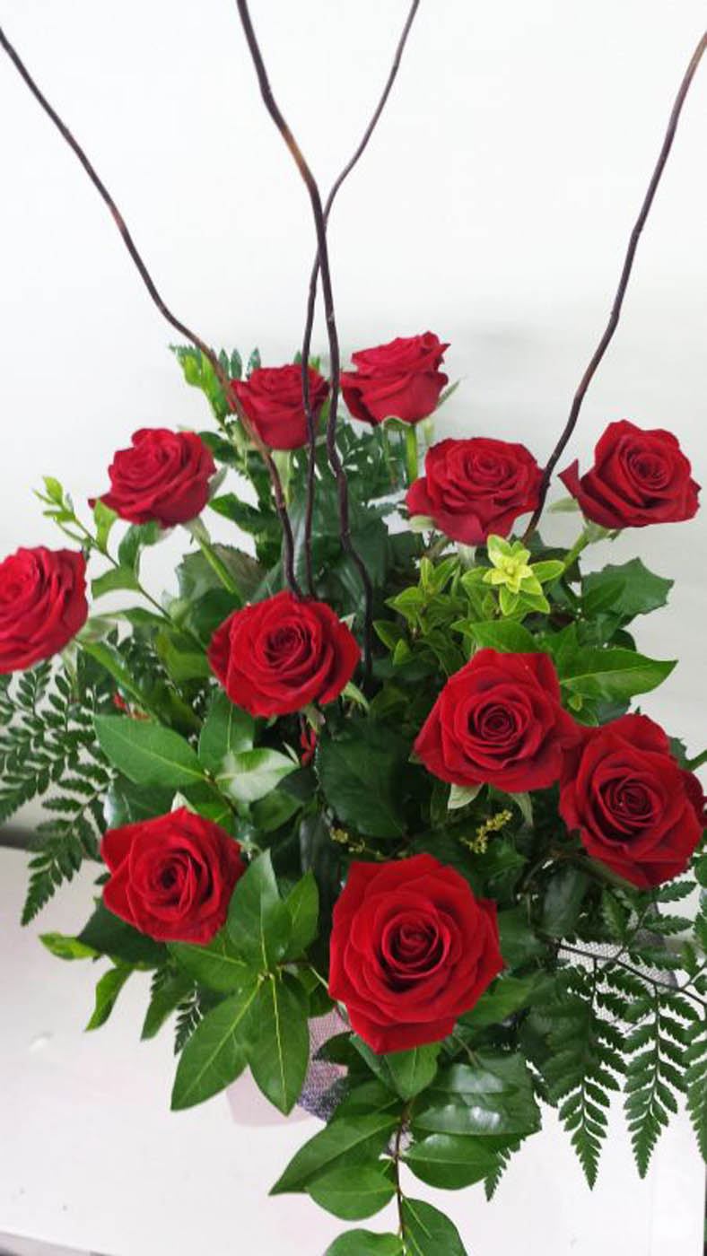 Valentines Dozen Rose Bouquet in Pyramid Vase