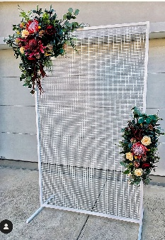 Arbour or decorative screen artificial arrangements