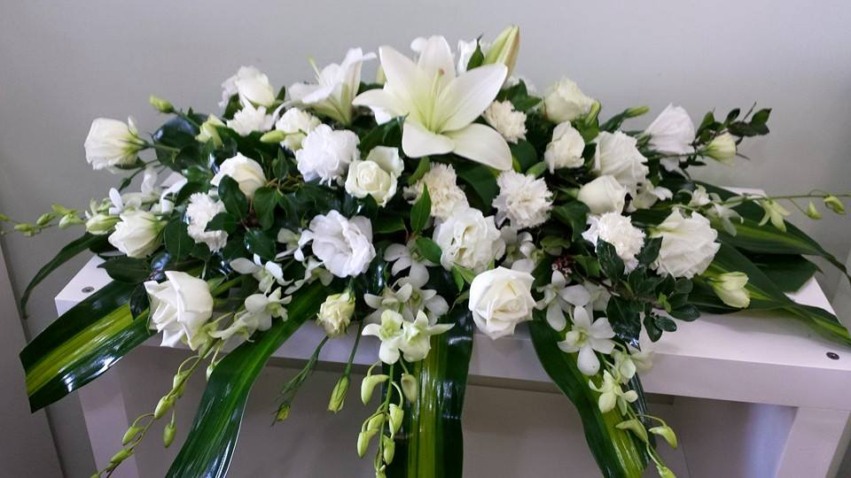 white and green bowl arrangement