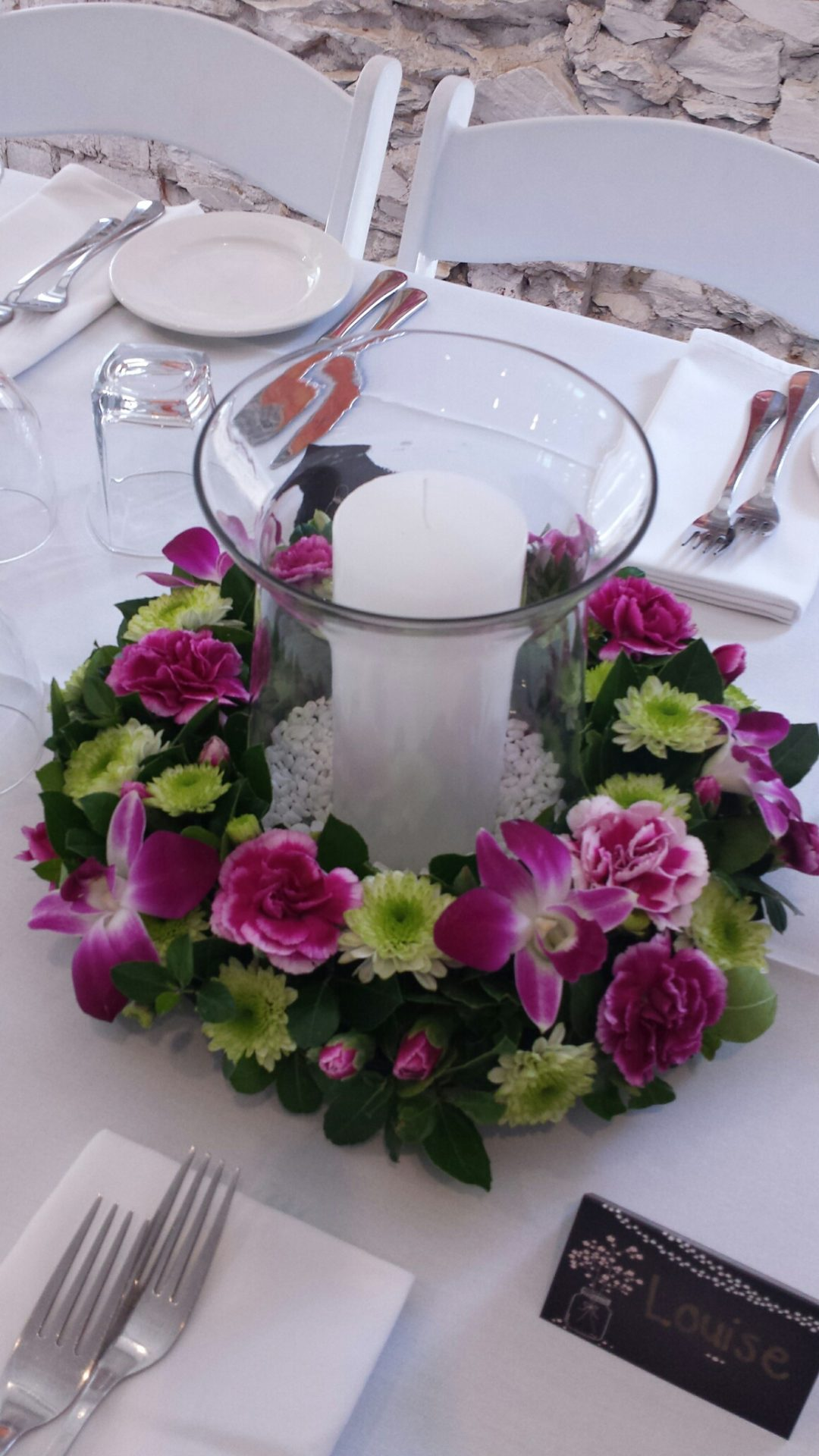 floral-wreath-base-with-candle-vase