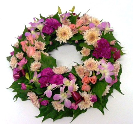Traditional Flower Wreath pinksmauves - Blackwood Florist
