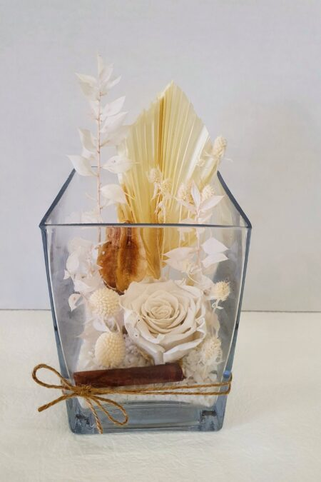preserved and dried flowers
